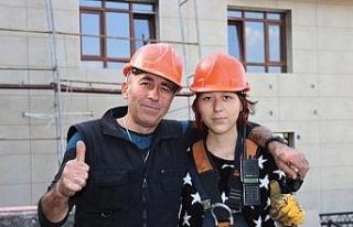 Mesleğin cinsiyeti olmaz dedi, inşaatta çalışmaya...