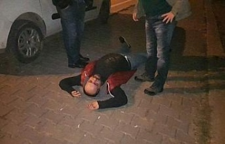Polisin alkollü adamla imtihanı