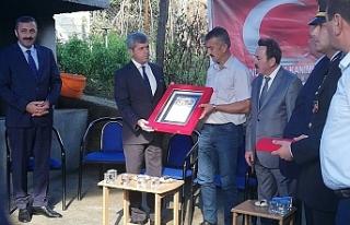 Vali Çınar'dan şehit ailesine ziyaret