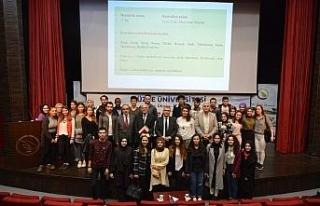 Zagreb Üniversitesi öğretim üyesi konferans verdi