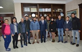 AK Gençler, Başkan Uysal'ı ziyaret etti