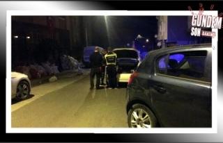 Alkollü sürücü, 3 araca çarpıp kaçtı!..