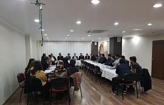 Başkan aday adayı Aksan MÜSİAD'lı gençlerle...