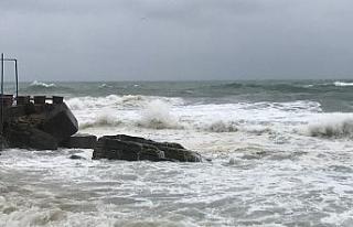 Batı Karadenizde dev dalgalar