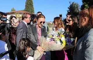 Kültür ve Turizm Bakanı Ersoy'un eşi Safranbolu'yu...