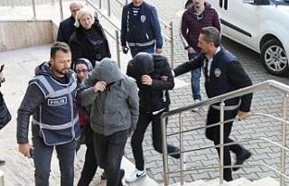 Sahte polisler dolandırıcılıktan tutuklandı