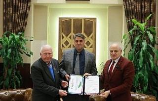 TAF'dan Rektör Polat'a teşekkür belgesi