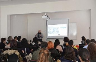 Üniversite öğrencilerine fotoğraf teknikleri anlatıldı