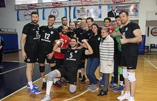 Voleybol Erkekler 1. Ligi: Düzce Belediyespor: 3...