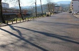 Akçakoca'da yol çalışmalarıyla rekora imza...