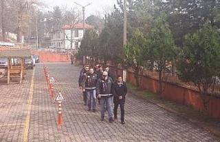 Karabük merkezli FETÖ operasyonunda 5 kişi adliyeye...