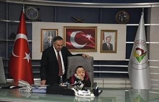 Mehmet Ali başkanlık koltuğuna oturdu