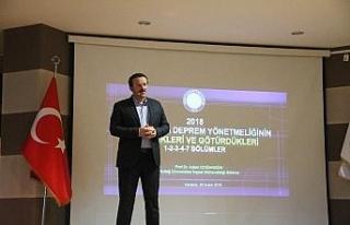 Prof. Dr. Doğangün, öğrencilere yeni deprem yönetmeliğini...