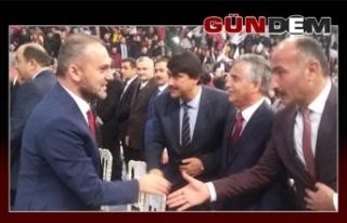 AK Parti salona sığmadı