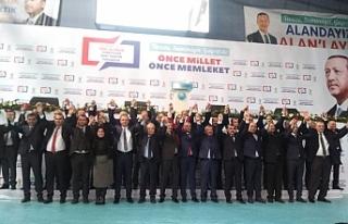 AK Parti adaylarını tanıttı!..