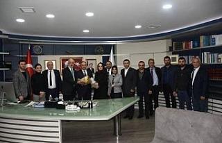 Ak Parti yeni yönetiminden Başkan Ay'a ziyaret