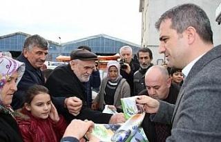 Başkan Yemenici bez torba dağıttı