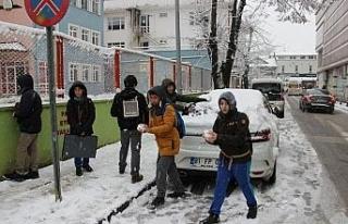 Düzce'de eğitime kar engeli