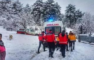 Elverişsiz hava şartlarına rağmen hastaya ulaştılar