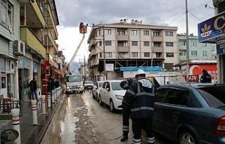 Lodos elektrik tellerini koparttı mahalle elektriksiz...