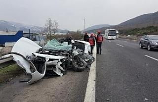 TEM otoyolunda 4 araç birbirine girdi: 1 ölü, 1...