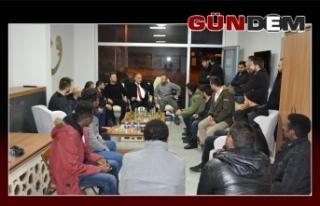 TÜGVA gençleri Şahin'i destekliyor