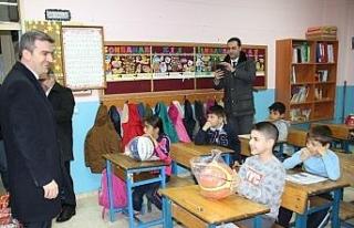 Başkan Yemenici, öğrencilerin taleplerini yerine...