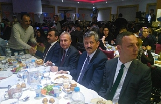 AK Parti'den vefa yemeği