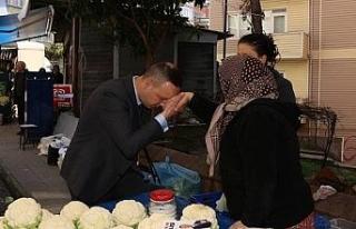 Alan, 467 Evler pazarında bez torba hediye etti
