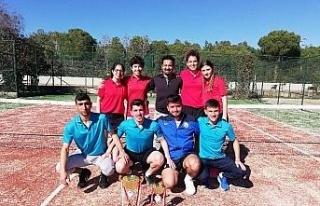 Düzce Üniversitesi Kadın Tenis Takımı 1. Lige...
