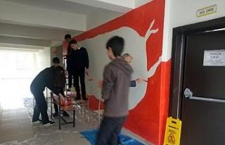 Lise öğrencileri ünlü ressamların eserlerini...