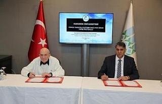 Türker İnanoğlu İletişim Fakültesi için imzalar...