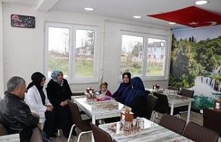 Vali'nin eşi Nurgül Dağlı Şehit ailesini ziyaret...