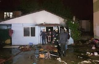Gece yarısı tek katlı evde çıkan yangın korkuttu