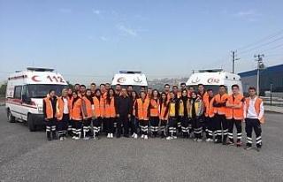 Öğrencilere ambulans sürüş teknikleri eğitimi...