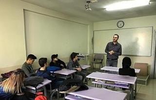 Öğrencilere Düzce Üniversitesi'nin Nüfus ve...