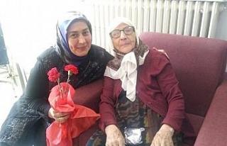 AK Parti Teşkilatından Anneler Günün'de anlamlı...
