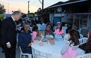Başkan Özlü 2 bin kişi ile iftarını açtı