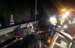 Bolu Dağı'nda otobüs traktöre çarptı: 1 ölü,...