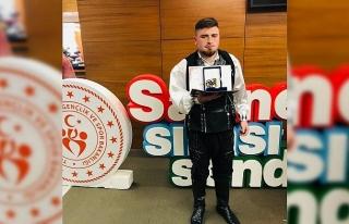 Düzce Üniversitesi öğrencisi Türkiye birincisi...