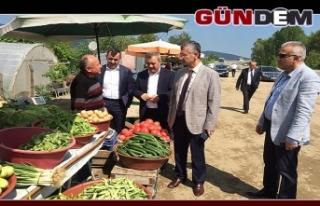 Vali Bektaş'tan pazar esnafına ziyaret