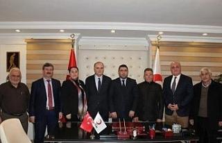 """Başkan Özlü Türk """"Kızılay tüm dünyada yardımın..."""