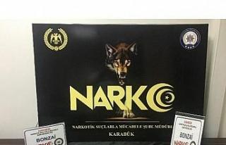 İstanbul'dan Karabük'e uyuşturucu madde getiren...