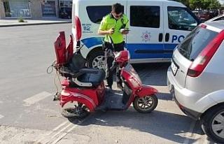 Otomobil ile elektrikli bisiklet çarpıştı!..