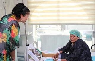 Safranbolu Belediyesi hastalara moral vermeye devam...