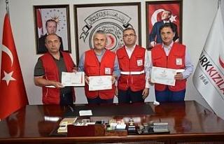 AK Partili vekiller kurbanlarını Kızılay'a bağışladı