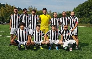 Köyler arası futbol turnuvasının şampiyonu Merkez...