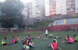 Türkiye'nin en genç antrenörü göreve başladı