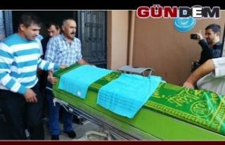 Bıçaklı saldırıda ölen gencin cenazesi ailesine...