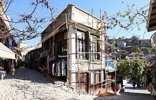 62 tarihi dükkan restore ediliyor